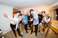 BTS and Steve Aoki Twitter Nov 23, 2017 (1)