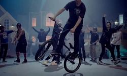 No More Dream MV (17)