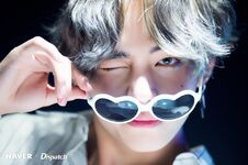 V Love Yourself Her Shoot (2)