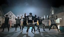 No More Dream MV (18)