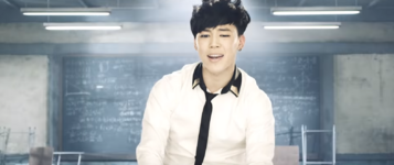 Boy In Luv MV (26)