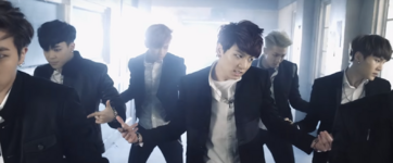 Boy In Luv MV (38)