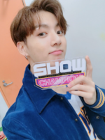 Jungkook at Show Champion 170927 (4)