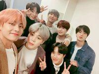 BTS on Weibo Dec 24, 2018 (2)