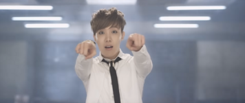 Boy In Luv MV (18)