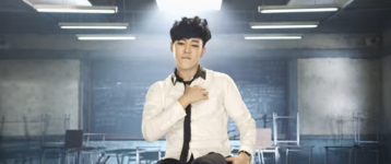 Boy In Luv MV (14)