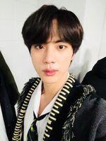 Jin Twitter Dec 25, 2018 (1)