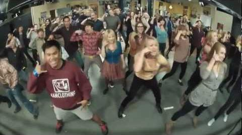 The Big Bang Theory Flash mob! (Full version compilation HD)-3