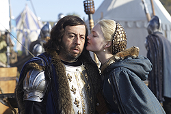 006 The Art of War episode still of Charles VIII and Lucrezia Borgia 250px