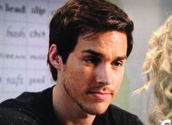 Adam-Weaver-actor-Chris-Wood-Carrie-Diaries