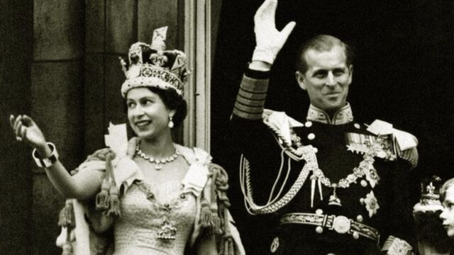 File:The crown slider queen elizabeth coronation.jpg