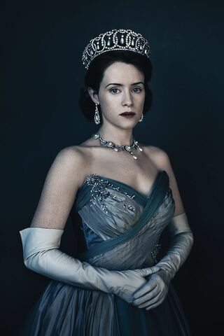 File:The-crown-character-bio-queen-elizabeth.jpg