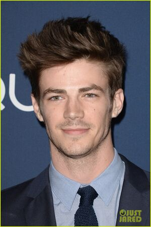 Grant-gustin-danielle-panabaker-the-flash-upfronts-06