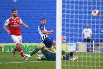 Brighton & Hove Albion v Arsenal (2019-20).18