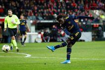 Standard Liège v Arsenal (Europa League 2019-20).11