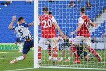 Brighton & Hove Albion v Arsenal (2019-20).15