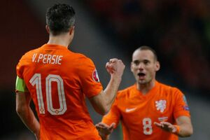 Netherlands - Latvia Van Persie and Sneijder