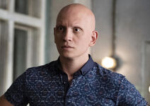 Barry-season-2-noho-hank-anthony-carrigan