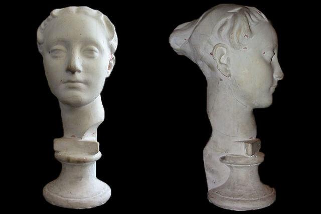 File:2002-ancient-roman-female-busts.jpg
