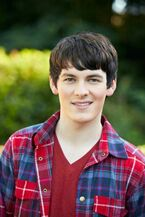 Brad Kavanagh smile 2013 house of anubis