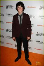 House-of-anubis-uk-premiere-07