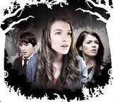 Nina-patricia-phabian-the-house-of-anubis-18466967-204-182