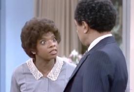 5x16 - Tamu Blackwell as Maid Betty