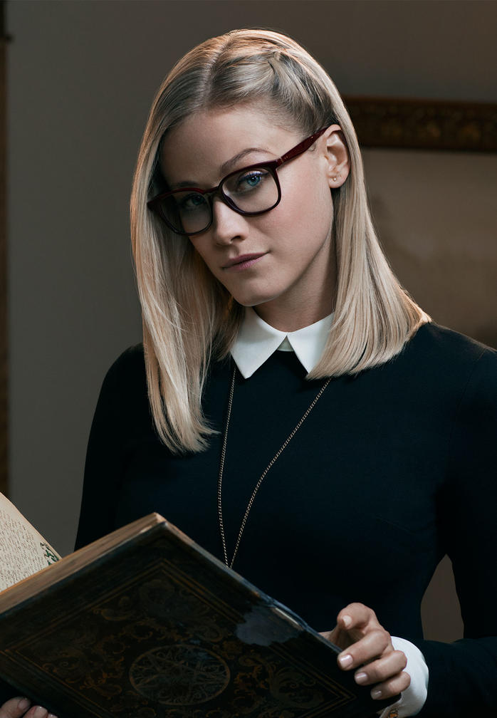 who plays alice in the magicians