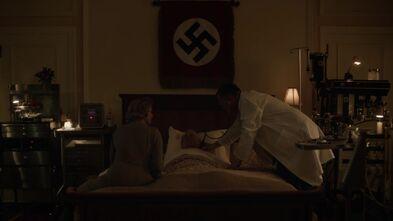 Hitler dieing 2