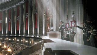 Himmler at Volkshalle