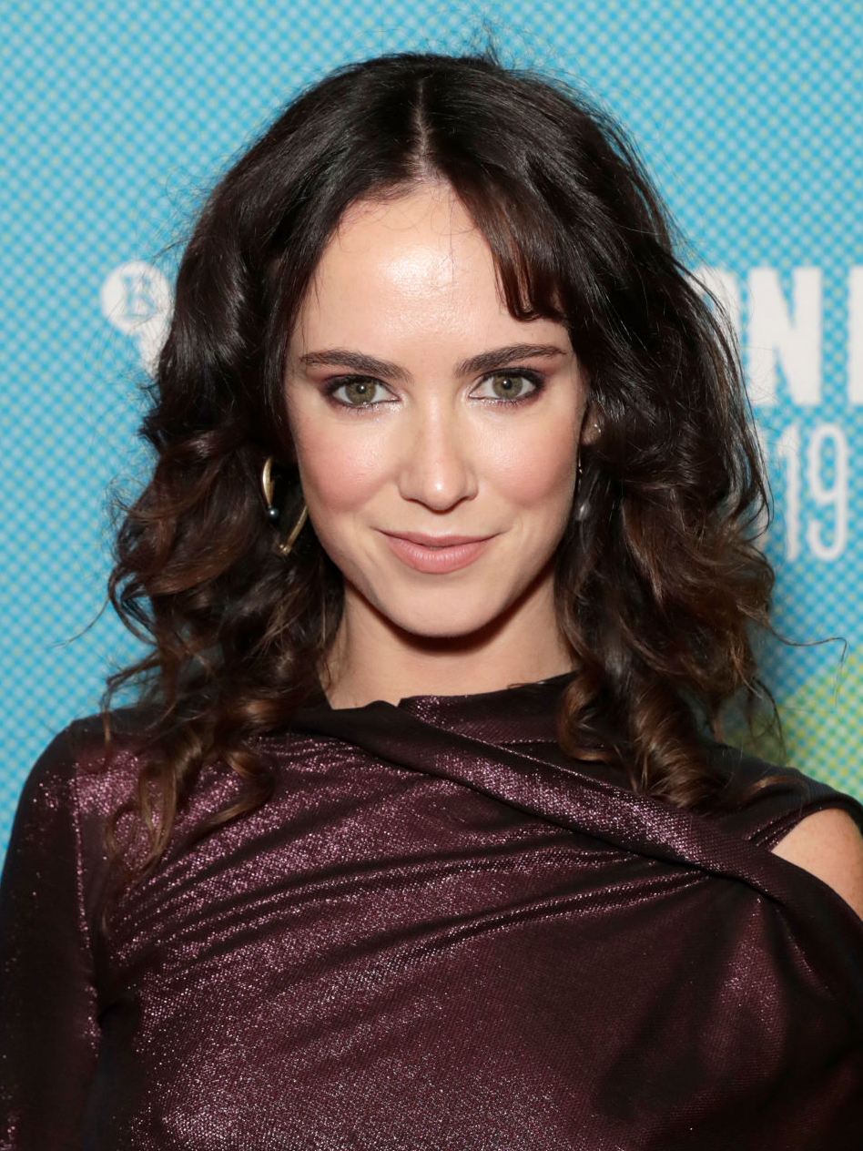 100 Images of Amy Manson Photos
