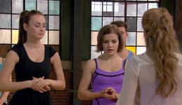 Chloe Amanda Riley Hunter Kate season 2 episode 17