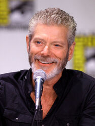 1200px-Stephen Lang by Gage Skidmore