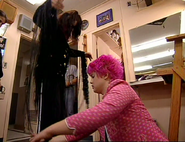 Kelly sorts out ozzy's costume