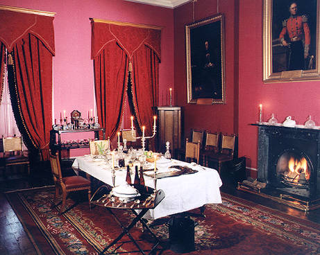 File:Calderbank Dining room.jpg