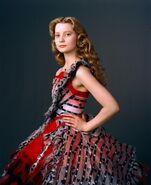 New-Alice-in-Wonderland-Mia-Wasikowska-Photoshoot-alice-in-wonderland-2010-10340861-1183-1450