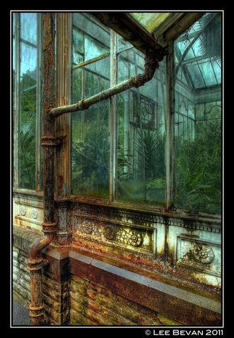 File:Calderbank greenhouse.jpg
