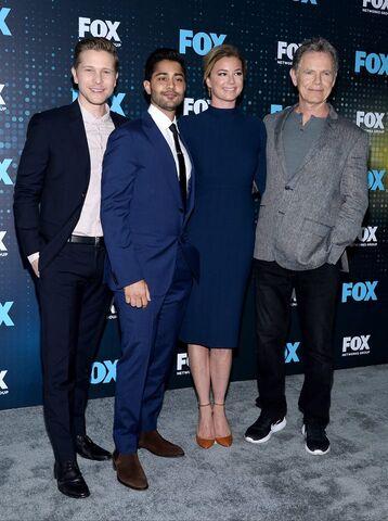 File:Fox Upfronts 2017 Cast (1).jpg