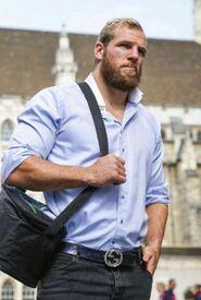 63989029acc1b4998876402eab1ff515--big-men-bearded-men
