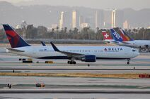 Delta Air Lines, Boeing 767-332(ER), N1607B - LAX (19740124875)