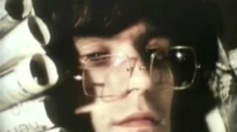 Rolling Stones - We Love You (video oficial)