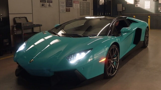 https://vignette.wikia.nocookie.net/the-rookie/images/3/32/Aventador_02.jpg/revision/latest/scale-to-width-down/640?cb=20190415220453