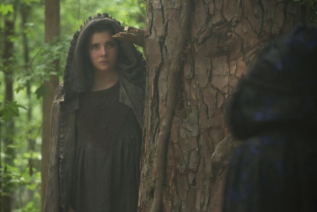 File:Salem-Promo-Still-S1E11-16-Mercy Lewis.jpg