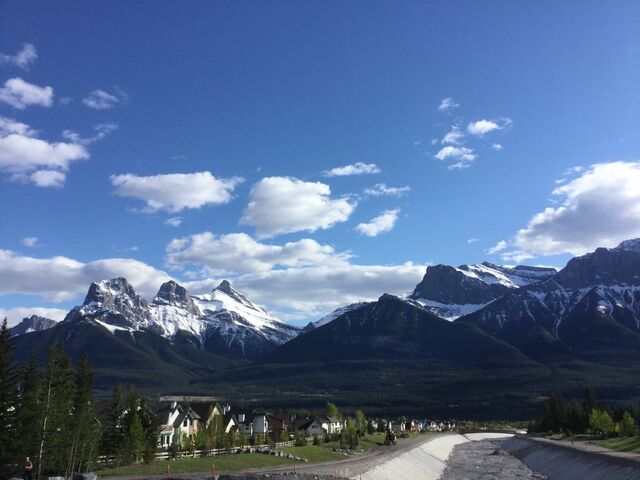 File:Canmore2017.jpg