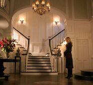 Emily-Thorne-in-Grayson-Manor-entry-hall-Revenge
