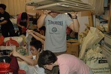 TsunamiAidSporeGay003