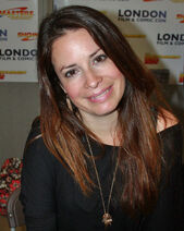 1200px-Holly Marie Combs, July 2012