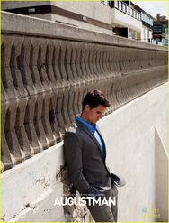 Robbie Amell 148