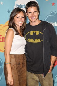 Robbie Amell 208