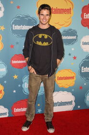 Robbie Amell 207